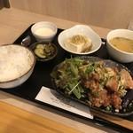 中華キッチン レンゲ - Aランチ(鶏肉、ナスの油淋ソース)