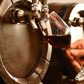 """樽生ワインや""""超炭酸""""使用のサワーなど充実のドリンクメニュー"""