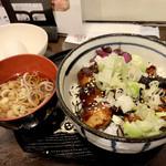 神保町 神田てっぺいちゃん - 焼き鳥丼650円