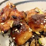 神保町 神田てっぺいちゃん - 鶏モモアップ