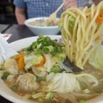 風靡 - 料理写真:野菜たっぷりチャンポン920円。