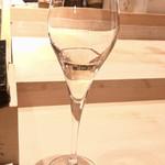 114298105 - いつもは飲まない私ですが、                       ルイ・ロデレールクリスタル2008年                       10周年のお祝いなので少しだけ頂きます。