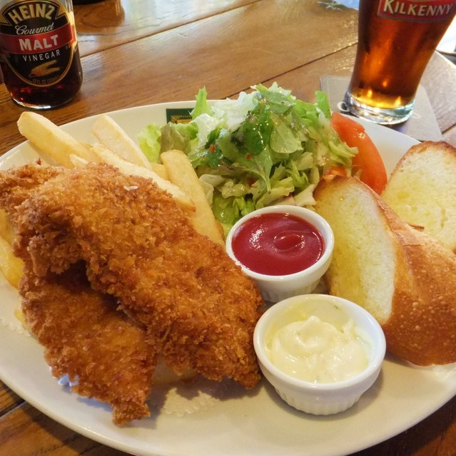 ダブリナーズ カフェ&パブ 渋谷店 - チキン&チップス(ランチ)とキルケニー