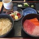 かんどんかんどん - 料理写真:三色丼と冷麺
