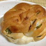 11432885 - うぐいす豆のパン