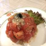 114325412 - トマトとバジリコのサラダ