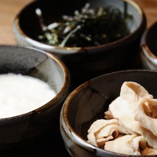 お蕎麦のお供には、天ぷらやかき揚げをどうぞ◎