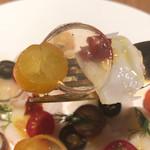 BISTRO INOCCHI - 真ん中にある透明なジュレはトマトを長時間布でゆっくり濾した物。透明なのにトマトが濃いです‼︎