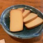 嘉門次小屋 - チーズのくんせい..・ヾ(  ๑´д`๑)ツ¥500円.。.:*☆