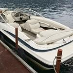 114362133 - 対岸の湖尻からはモーターボートで移動