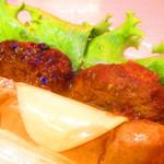 トミー コージー - チーズハンバーグドッグ 372円(税込)のアップ【2019年8月】