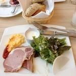 ユックユック - 朝食のメインプレート