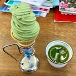 114374377 - 抹茶ソフトクリーム 200円