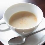 タケル グリル - 白菜とジャガイモのスープ