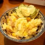 泉屋 - 料理写真:ポテサラ 350円