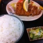 ひの食堂 - とんかつ定食 750円