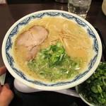 博多麺房 赤のれん - ラーメン+ねぎ多め