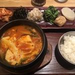KOREAN 水刺間 - おまかせ日替わり特選チゲ定食 2019/08/28(水)訪問