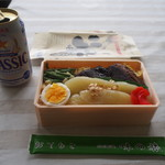 留萌駅立喰そば - 料理写真:にしん親子弁当 & ビール