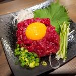 牛匠 - 桜ユッケ(1280円)