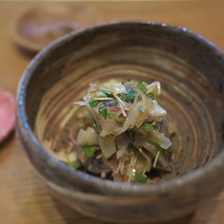 蕎や 月心 - 料理写真:まずはイワシのマリネ。おっ、丁寧な調理されてます。