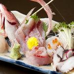 恩納つばき - 朝獲れ地魚の刺盛3000円