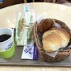 ニューポート - 料理写真:コーヒーにサンドイッチ・塩バターパン・ミニクロワッサン