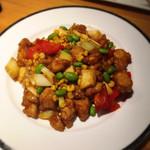 龍苑 - 鶏肉と枝豆、とうもろこし炒め