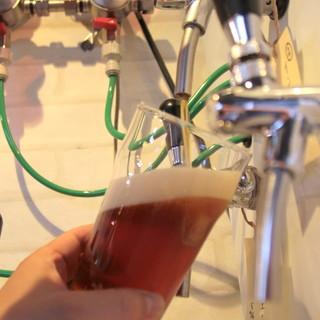 自家製のクラフトビールを樽替わりで楽しめます♪