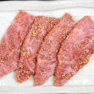 自家製タレに付け込んだお肉で、ご飯とお酒が進みます!