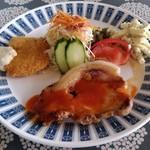 ねむ - 日替わりランチ(ポークステーキと白身魚フライ)ライス、スープ、ドリンク付き1080円