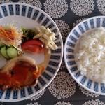 ねむ - 日替わりランチ(ポークステーキと白身魚フライ)スープ、ドリンク付き1080円