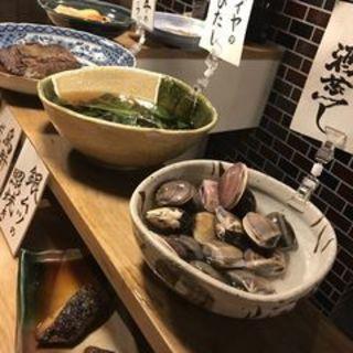 名古屋コーチンの炭焼き串と地産野菜を使用したおばんざい