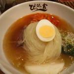 ぴょんぴょん舎 - 冷麺@900円