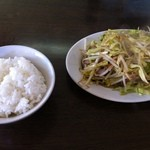 11444968 - 野菜炒め+半ライス