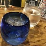 日本酒とビオワイン 立呑 奢酌楽 - 安定ね