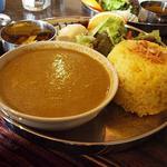 ガネーシュ - ほうれん草とミンチ肉カレーのランチ(大盛)