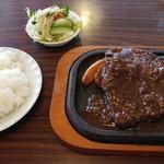 レストラン蜂 - 料理写真:ビッグランチステーキ1480円税別