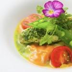 カシュ カシュ - 料理写真:白身魚のパセリバター蒸し 海老のラビオリ アメリケーヌソース