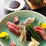相撲茶屋 寺尾 - 新鮮なお魚を使用したお刺身です!