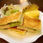 岸 - 料理写真:ハムトーストセット
