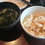 レッフェル - 枝豆とじゃこのごはん。勝手に海藻サラダを入れた玉子スープ。どっちも味濃いめ。