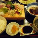 おさかな厨房二見ヶ浦食堂 - 岩戸定食
