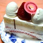 パティスリー ジュー ドゥ ミュゲ - 苺のショートケーキ 368円