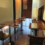 コーヒースタンド 36℃ - 全天候型・冷暖房完備のテラス?席