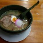 紀州らーめん おかげさん - 料理写真:豚骨魚介醤油スープの「備長炭らーめん」680円