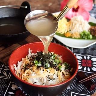 """奄美大島名物◆スープにとことんこだわった自慢の""""鶏飯""""は必食"""