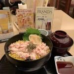 114541553 - 2019/08 石川県はカニが有名(?)。で、かにちらし丼セット1,300円