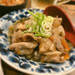 ヒノマル食堂 - 煮込み(しょうゆ)は、まんまおでん出汁味