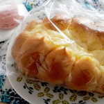 プチ・トリフ 山屋 - 料理写真:ちくわぱん162円税込